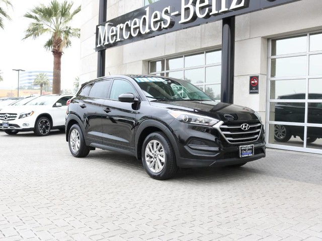 Mercedes Benz Tucson >> Pre Owned 2017 Hyundai Tucson Se Front Wheel Drive Suv
